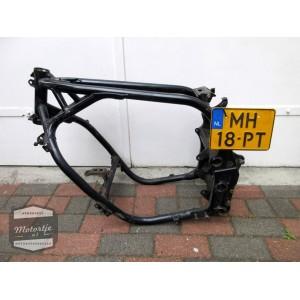 Kawasaki GPX750 frame / kader